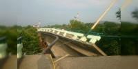 Se derrumba puente en Oaxaca tras sismo de 6.1