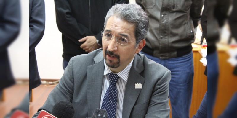 UMSNH deposita ante JLCA oficios para responder a 18 cláusulas del emplazamiento a huelga del SUEUM