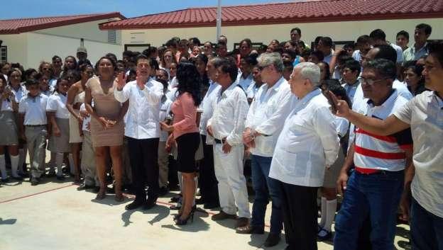Inaugura Enrique Peña ciclo escolar 2015 - 2016 en Coyuca, Guerrero
