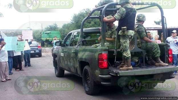 Retiran barricadas en Antúnez ante llegada del Ejército y Policía Federal
