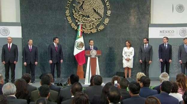 Enrique Peña Nieto toma protesta a los nuevos integrantes de su gabinete