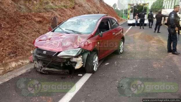 Lluvias provocan accidentes en carreteras de Uruapan
