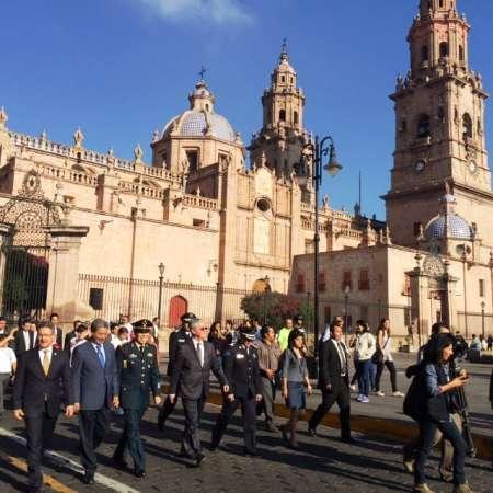 Realizan autoridades recorrido en bando solemne en calles de Morelia