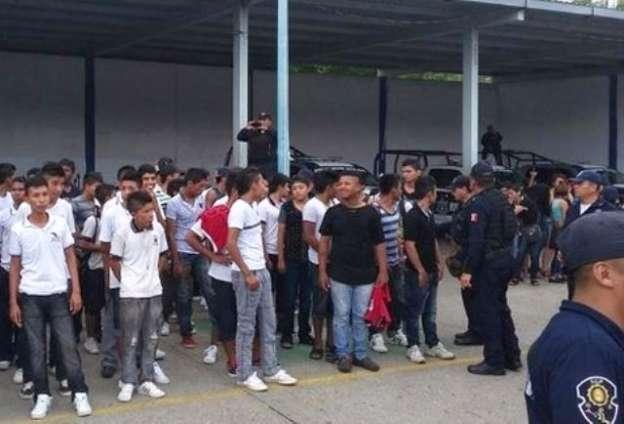 Riña en Acapulco deja 82 detenidos