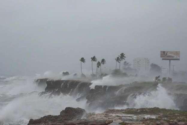 Paso de tormenta tropical Érika por el Caribe deja a menos 35 muertos