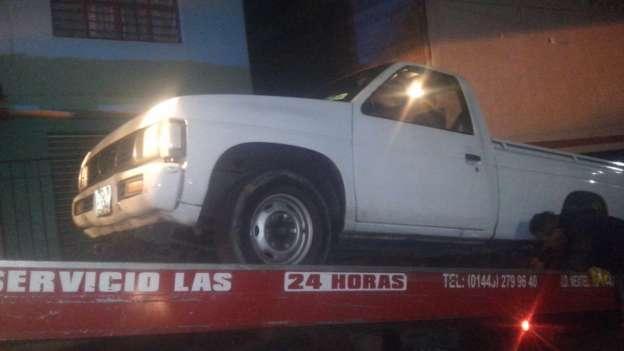Detienen a tres presuntos ladrones y recuperan vehículo robado, en Morelia