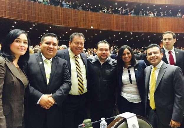 A trabajar en beneficio de Michoacán llama Carlos Torres Piña a diputados federales
