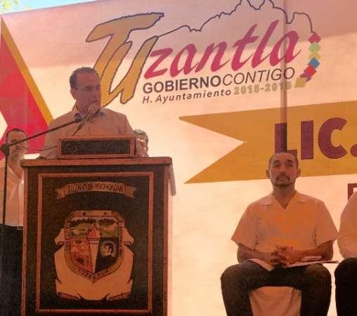 Llama Sigala a construir gobiernos honestos, transparentes y leales con los michoacanos