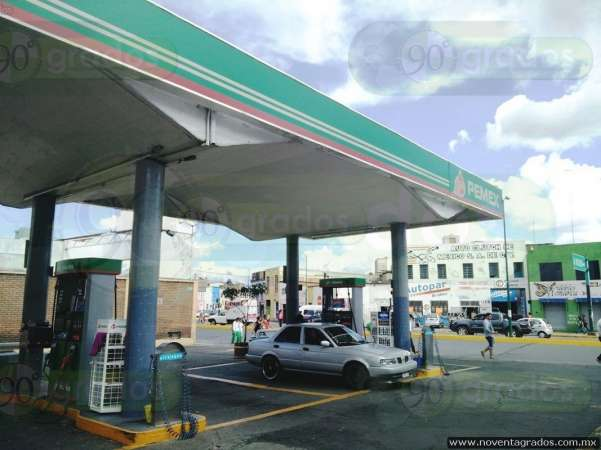 Asaltan gasolinera en Morelia