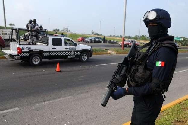 Tres policías muertos y uno herido tras agresión a balazos, en Veracruz