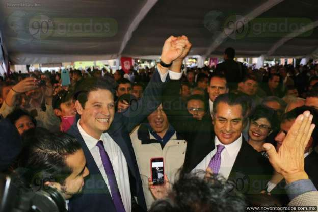 """Asiste """"El Bronco"""" a toma de protesta del Alcalde independiente de Morelia"""