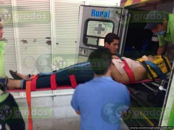 Volcadura en La Huaca, Michoacán, deja cuatro estudiantes heridos