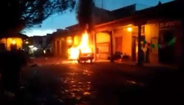 Dictan prisión a dos sujetos relacionados con desmanes en Tangancícuaro, Michoacán