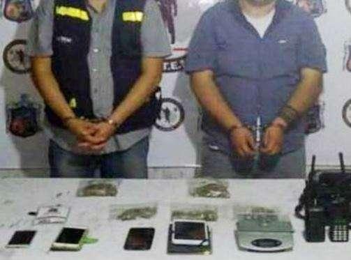 Detienen a dos reporteros con equipo de radio y droga en Monclova, Coahuila