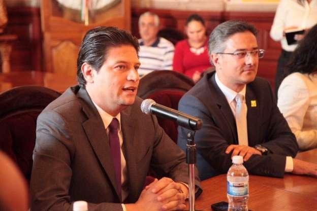 Personal de confianza sin los mismos derechos que los demás trabajadores: Alfonso Martínez