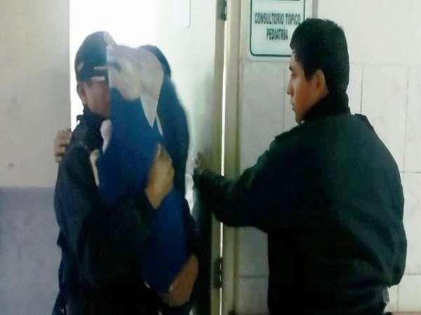 Localizan a niño desnutrido amamantándose de una perra, en Chile