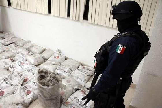 Aseguran una tonelada de cocaína negra en el Aeropuerto Internacional de  la Ciudad de México