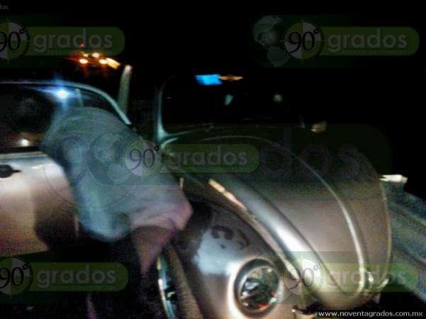 """Vehículo """"fantasma"""" provoca doble accidente vial en Pátzcuaro, Michoacán"""