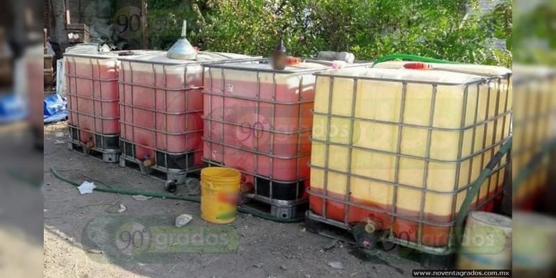 Casi 80 mil litros de combustible, 20 coches y una persona son asegurados en Puebla