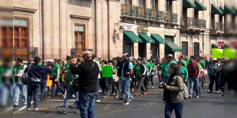 Marcha del Staspe arriba al centro de Morelia