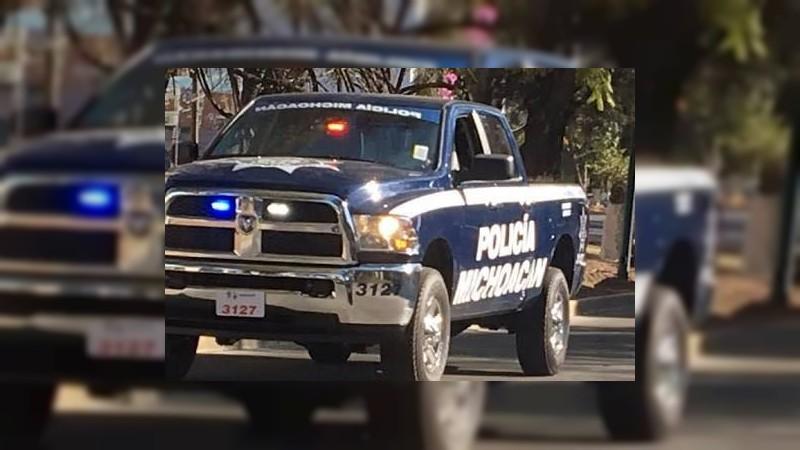Aseguran armas y vehículo robado en Yurécuaro, Michoacán