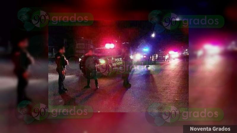 Se enfrentan policías y delincuentes en Tangancícuaro, Michoacán, hay cinco policías heridos