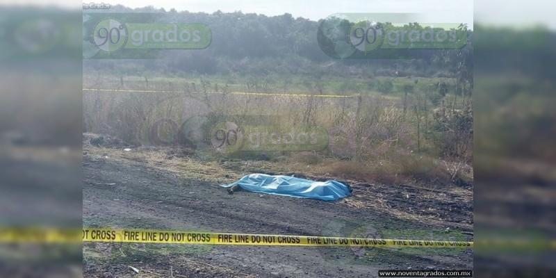 Hallan a joven decapitado en Apatzingán, Michoacán