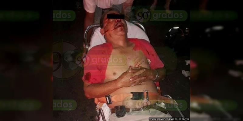 Muerte de embarazada y sujeto, dos heridos y dos secuestrados, deja balacera en Mercado de Iguala, Guerrero