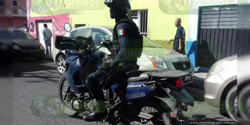 Atropella camión a agente policiaco en Morelia, Michoacán