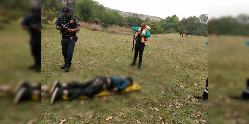 Localizan cadáver en presa de Senguio, Michoacán