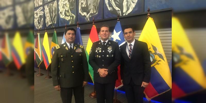 Bernal Bustamante imparte conferencia en Seminario Internacional en Ecuador