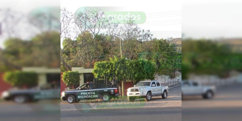 Abandonan cadáver descuartizado y mensaje en Jacona, Michoacán
