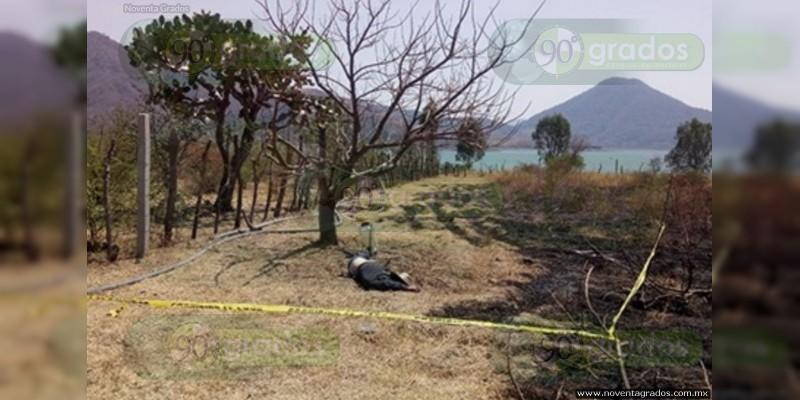 Muere de infarto al quemar un pastizal en Zitácuaro, Michoacán