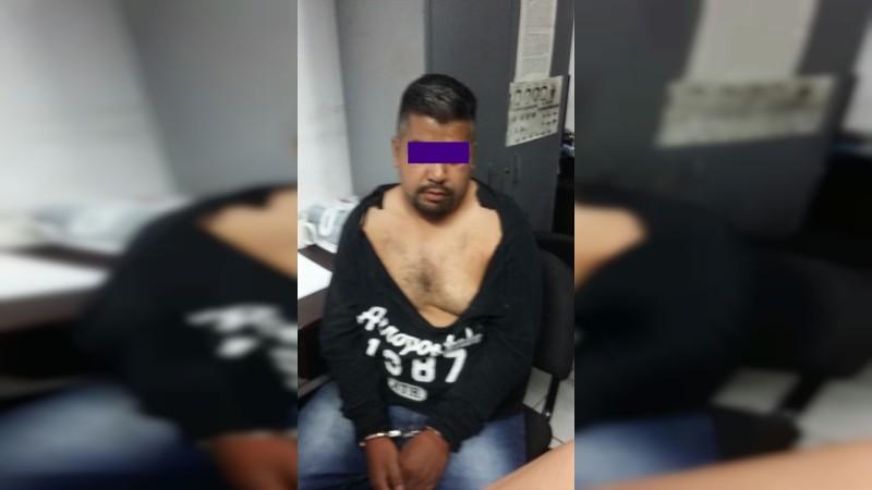 Detienen policías morelianos a defraudador