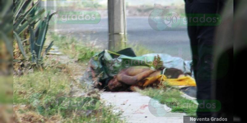 Abandonan dos cuerpos maniatados en calles de Zamora, Michoacán