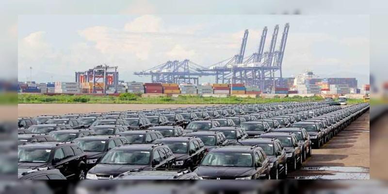 Puerto de Lázaro Cárdenas se prepara para expansión de la industria automotriz