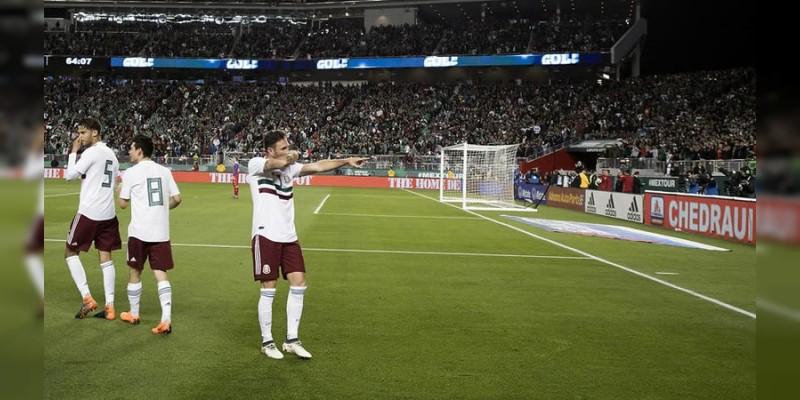 Con doblete de Layún, el Tri goleó a Islandia