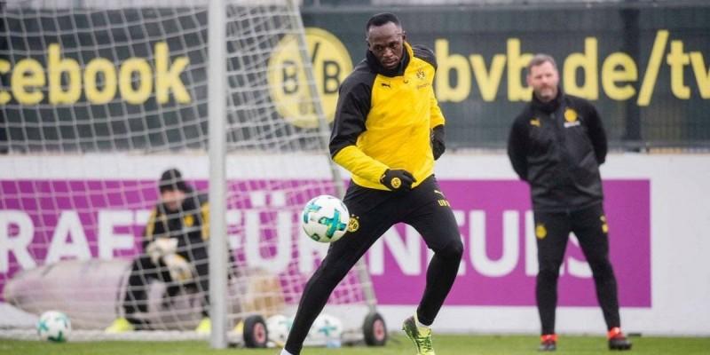 El hombre más rápido del mundo entrena con el Borussia y mete su primer gol