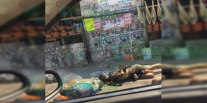 Frente a un mercado en Acapulco queman dos cadáveres