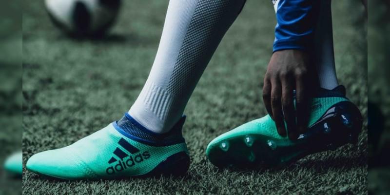 Adidas lanza los zapatos Deadly Strike