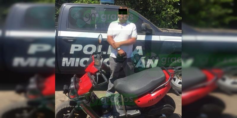 Detienen a un hombre en poder de una moto robada en Uruapan, Michoacán