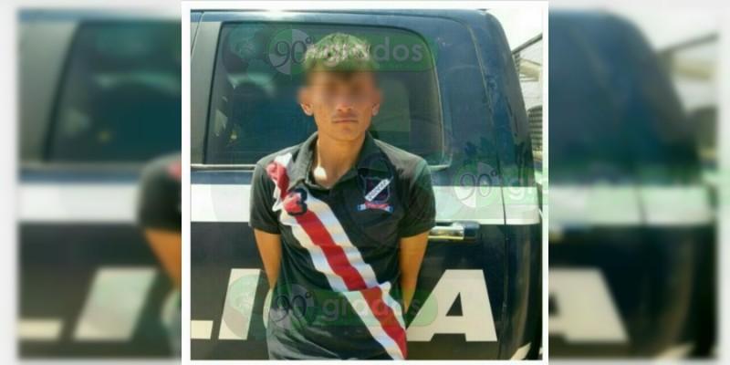 Aseguran armas y droga y detienen a un hombre en Sahuayo, Michoacán