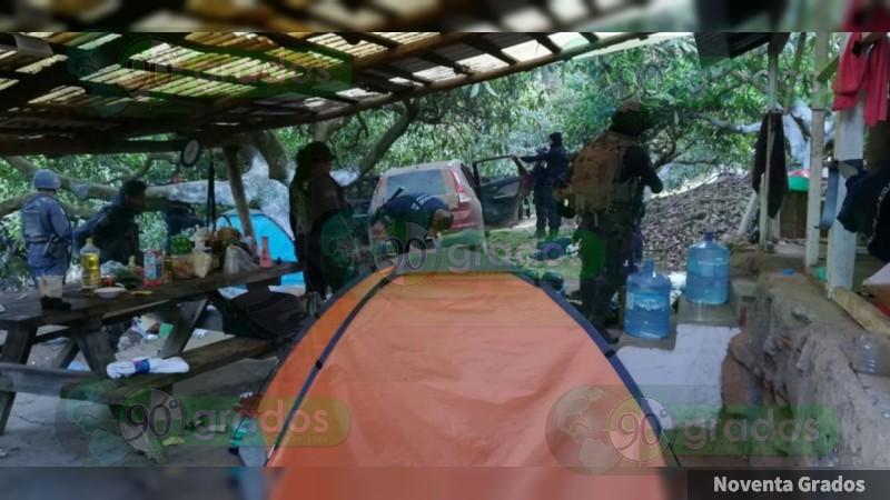 Revientan �??narcocuartel�?� en Uruapan, Michoacán; hay un detenido