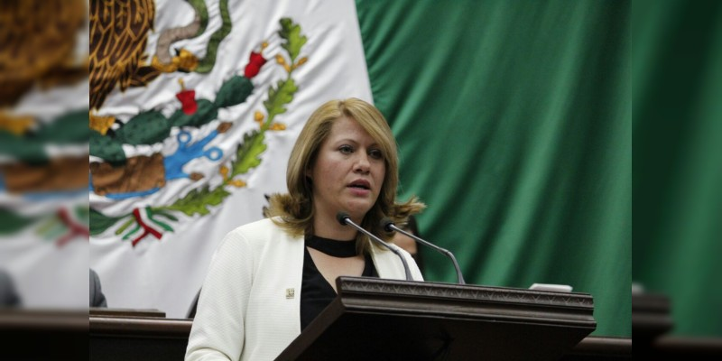 Congreso exhorta a municipios, estado y federación a combatir incendios forestales en Michoacán