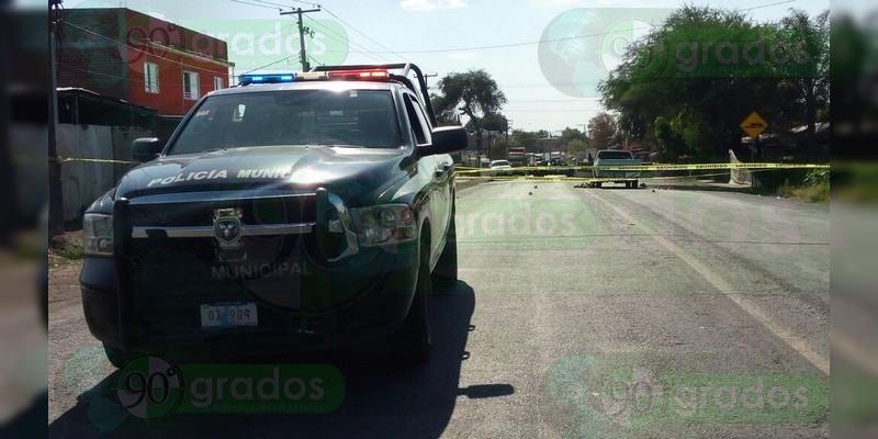 Acribillan a pasajeros de un auto en la carretera Salvatierra-Yuriria; hay tres muertos y un herido