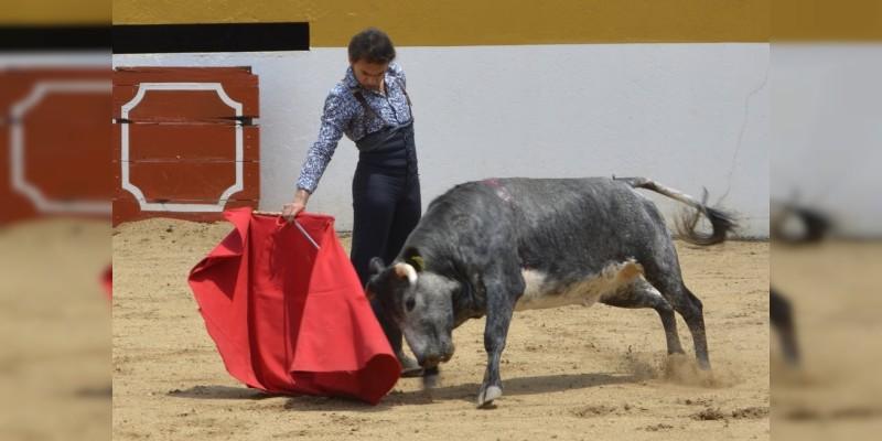 El moreliano Jorge Sotelo toreó en la Hacienda de Atécuaro, como preparación para su corrida en Tepatitlán