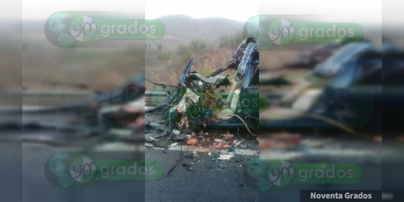 Confirma PGJE seis muertos en accidente de la Siglo XXI