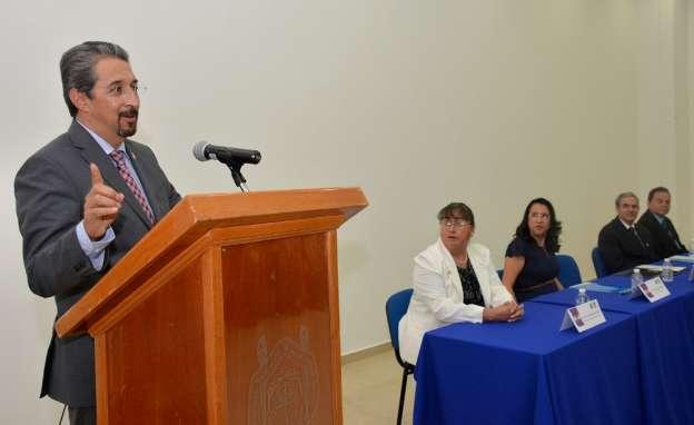 Los nicolaitas, llamados a fortalecer la autonomía universitaria: Medardo Serna