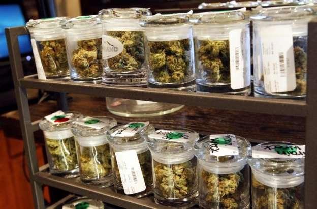 Farmacias en Uruguay comenzarán a vender marihuana a partir del 2016