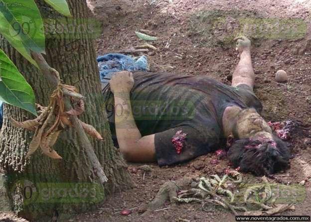 Identifican a hombre asesinado junto a líder de autodefensas en Parácuaro, Michoacán